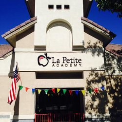 la petite academy job application online